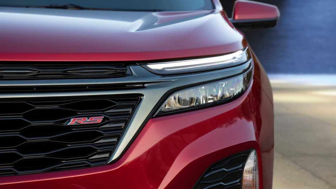 THE PRICE OF THE 2022 CHEVY EQUINOX RS STARTS AT USD 31,295