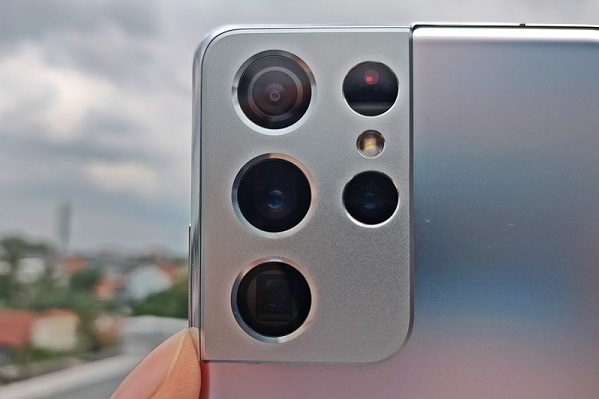 Samsung Plans to Release 576MP Sensor in 2025